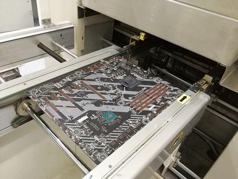 潛入微星恩斯邁廠 - 電競第一的主機板、顯示卡怎麼製造的? 8