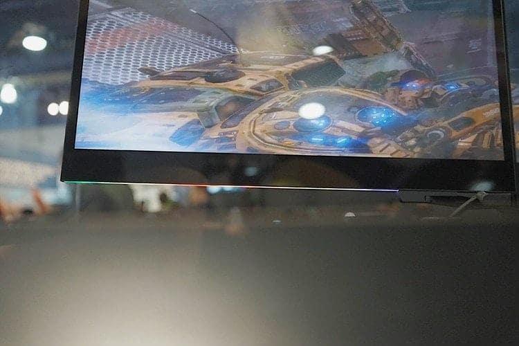 雷蛇Razer CES展-你碰不起的三螢幕電競筆電 9